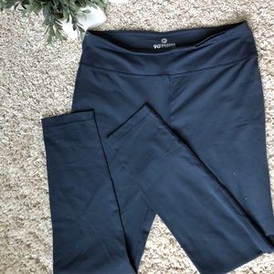 90 Degree Grey Exercise Leggings. Size Large